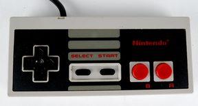 Nintendo 8-Bit Controller (004) NTSC / USA