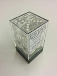 Chessex Dice Set (12xD6 16mm, Translucent Clear with White Pips